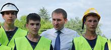 Александр Козлов проверил как строится каток в Новобурейском