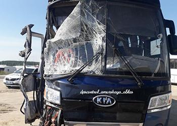 В Свободном в аварию попал пассажирский автобус