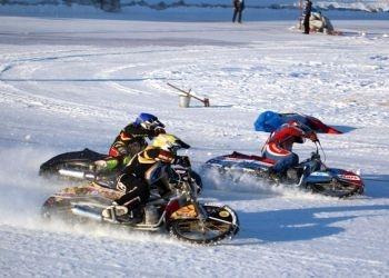 Сергей Логачев, Роман Акименко и Дмитрий Хомицевич прошли в финал личного чемпионата России по мотогонкам на льду